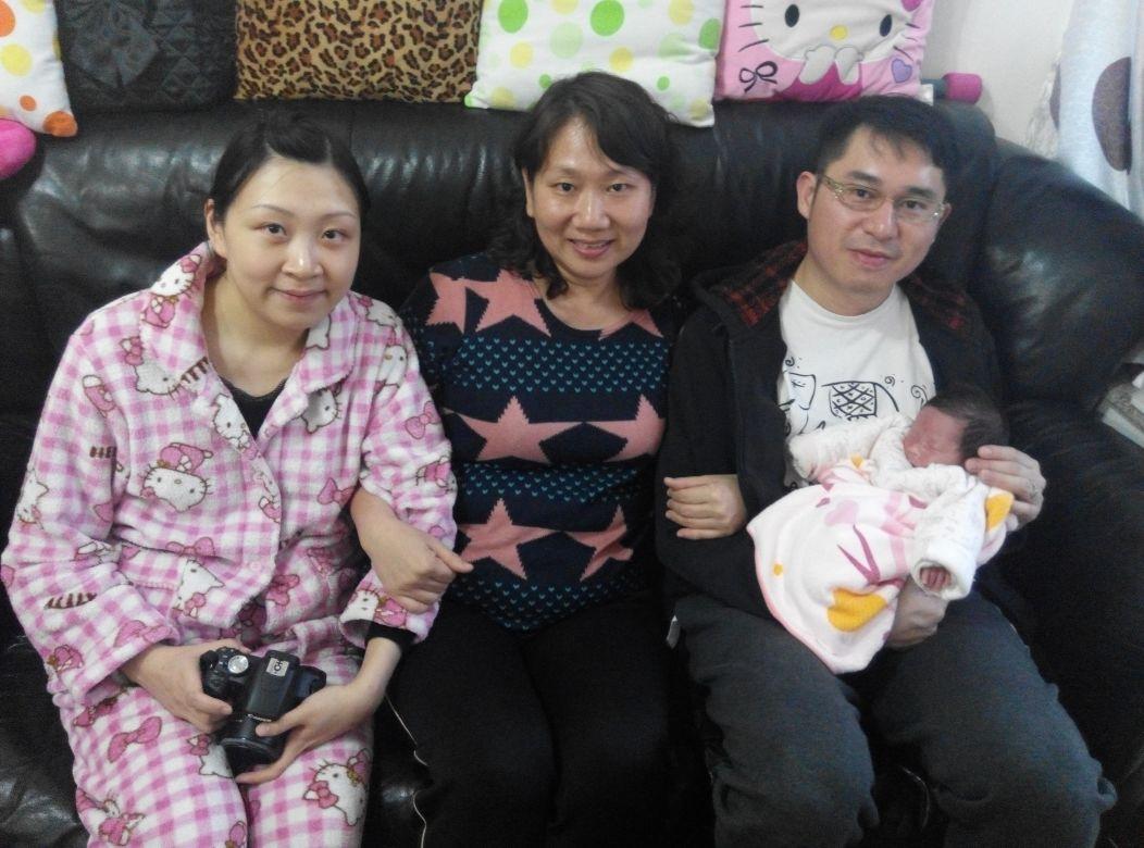 May姐有豐富陪月經驗,擅長與初生寶寶的爸媽處理好家庭要務,她認為陪月不僅是一個助理,更能令家庭成員迎接新生命的同時維持良好氣氛